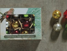Creative Co-op, Inc. © / Christmas Ornament Box