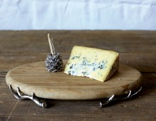 Creative Co-op, Inc. © / Cheese Board with Pine Cone Toothpick Holder