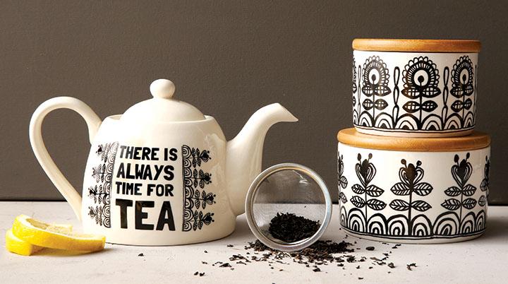 BW teapot_4