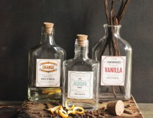 Creative Co-op, Inc. © / Vintage Extract Labels