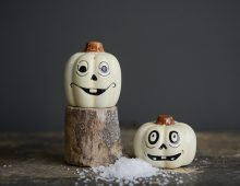 Creative Co-op, Inc. © / Ceramic Pumpkin Salt & Pepper Shakers